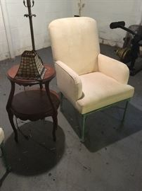 Small vintage tables, metal legged chairs x 4