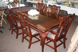 Beautiful Thomasville Dining Table with 8 Chairs, 2 leaves  plus tabletop protecters . Available now $1200 call Linda at 615-268-5388