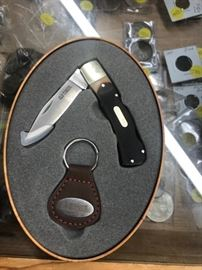 Old timer knife in tin