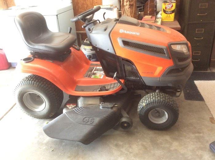 Husqvarna YTH 22V46 v-Hydrostatic 46-in Riding Lawn Mower  - like new