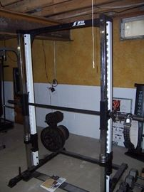 SMITH MACHINE WITH OLYMPIC WEIGHTS