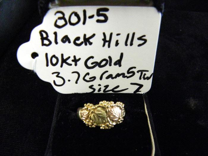 10KT Black Hills Gold Ring