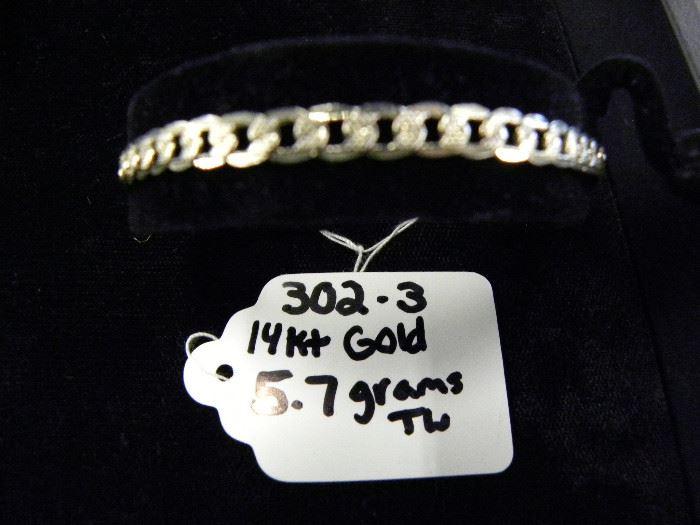 14KT Gold Link Bracelet