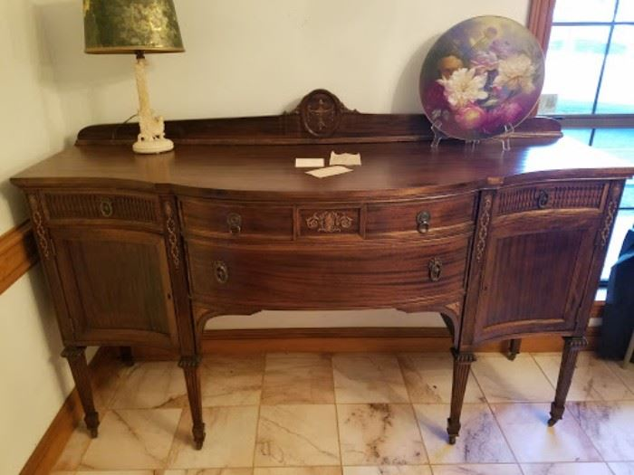 Antique Mahogany Buffet in EXCELLENT condition.