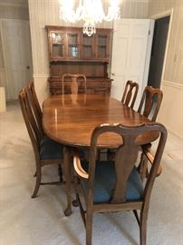 Dining Room table seats 6.  In immaculate condition. $250