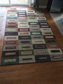 many rugs in good condition