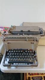 2nd Old Typewriter