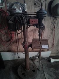Antique floor drill press https://ctbids.com/#!/description/share/65232