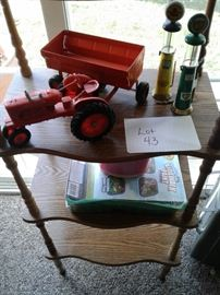 Toy tractor https://ctbids.com/#!/description/share/65288