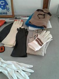Gloves, Bears items https://ctbids.com/#!/description/share/65303