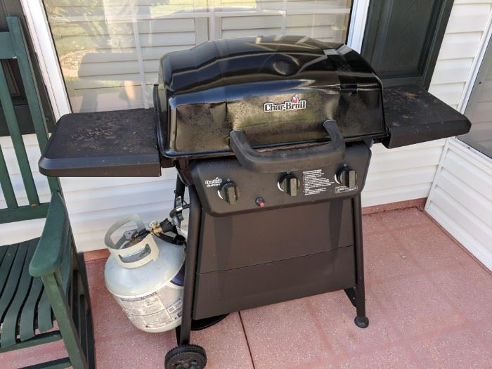 Char-Broil propane grill with cover