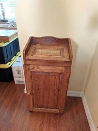 Wood trash bin cabinet