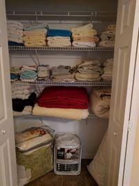 Bath towels, wash cloths &  queen sized bed linens