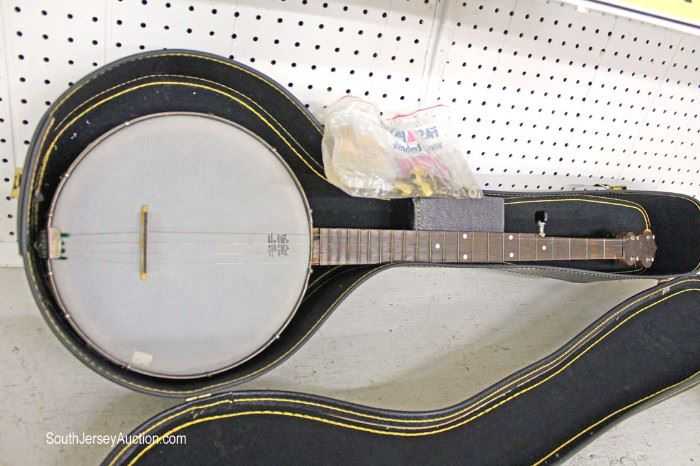 Remo Weather King Banjo made in the USA with Case and Tuners  Located Glassware – Auction Estimate $100-$200