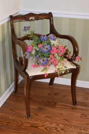 Chair and Flower Décor