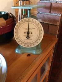 Vintage scale - Columbia Family Scale