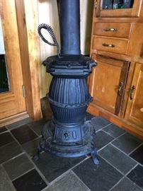March Brownback Stove Company - Alert #10 Pot-bellied stove