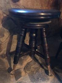 Clawfoot Piano swivel stool - Vintage!!