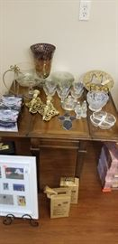 china, coffee table, frames
