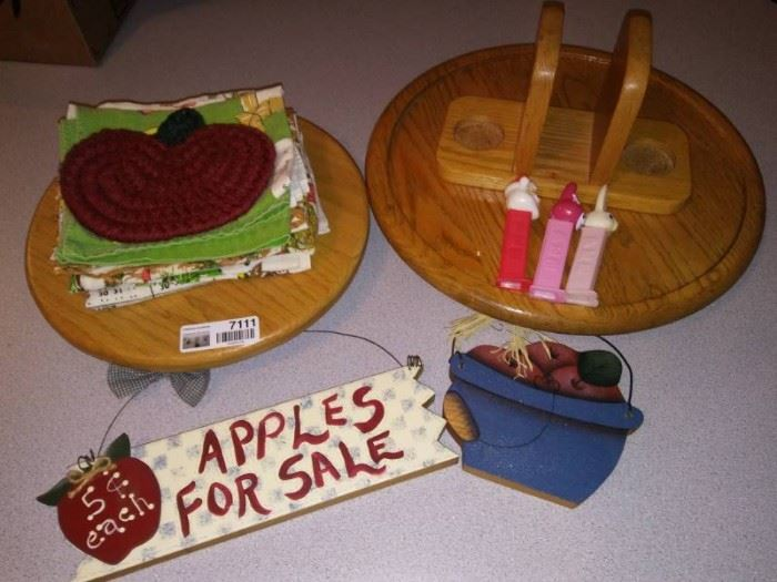 Apples Home Dcor Lot
