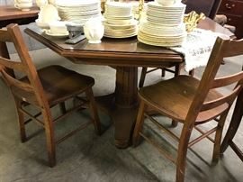 Octogonal table with 4 chairs