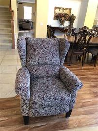 Lovely single seater sofa $100