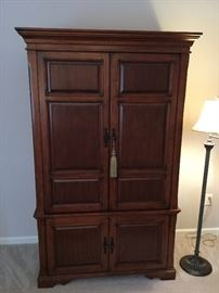 Nice armoire cabinet