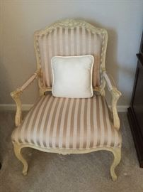 Gorgeous side chair with nice fabric