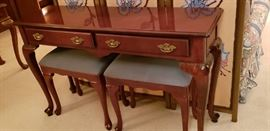 Queen Ann sofa table with 2 beches