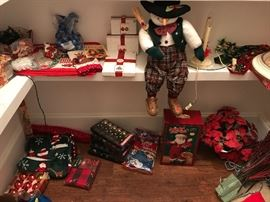 More items in the holiday room.  Your going to have fun shopping this one