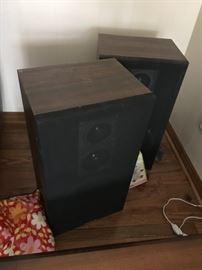 #5(2) Sanyo speakers SS 566 $50.00