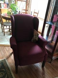 #6lane burgundy recliner $75.00