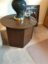#18Round Laminate End Table - as is $20.00