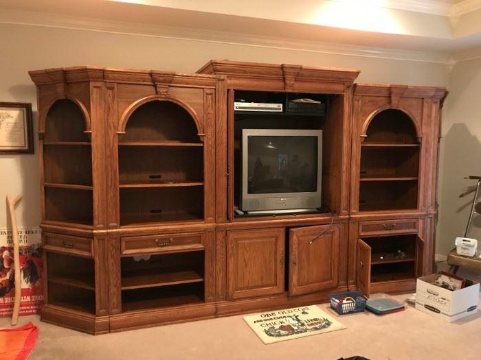 #37Broyhill 5 pc. Entr. Center  (2) Corner Pieces 28x18x76,  $75 each (2) Bookcase w/drawer  23x18x76, $100 each  Cener TV Console Pc. 49x24x80   $75 Each     $375.00