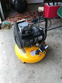 #58Campbell Hausfeld Extreme Duty air compressor $60.00
