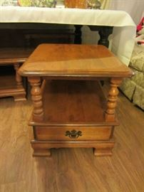1 of 2 beautiful Ethan Allen End Tables, excellent