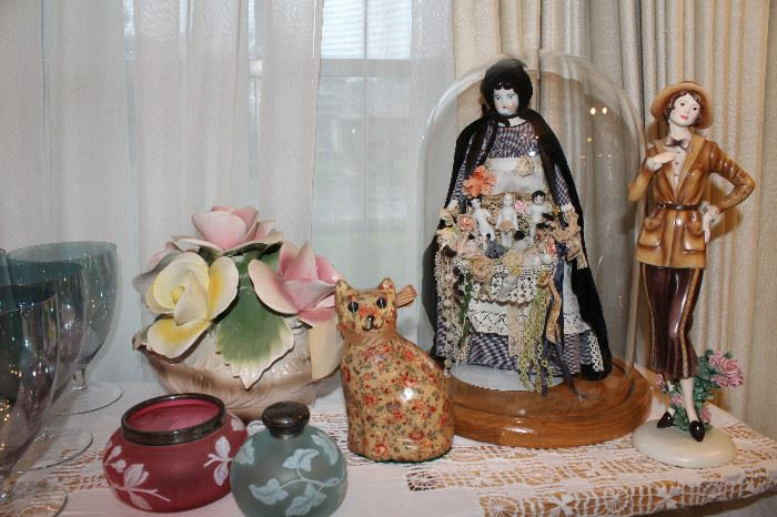 Capodimonte, Cameo Glass, Beautiful Vintage Peddler Doll