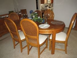 "Oak Dining Room Table 58x42 with 2-16"" leaves and 6 chairs"