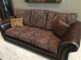Close up of  Simmons Couch!