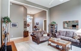 """Simmons Love Seat & Couch!  There are 2 more Love Seats in the basement that are slightly defective and Marked """"As Is""""!"""