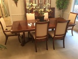 Stanley dining set, gorgeous.