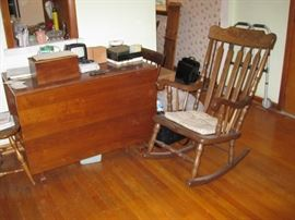 drop leaf table, large and sturdy rocking chair