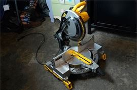 4. DEWALT Compound Miter Saw