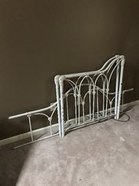 Iron day bed