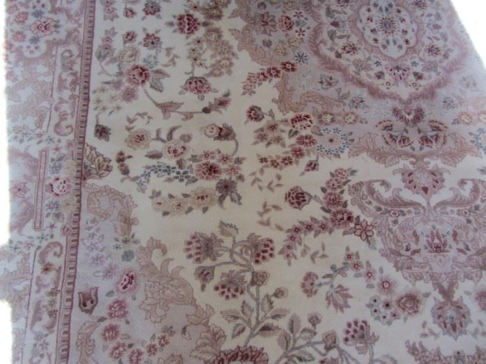 VERY NICE LARGE CARPET