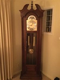 Grandfather Clock Howard Miller