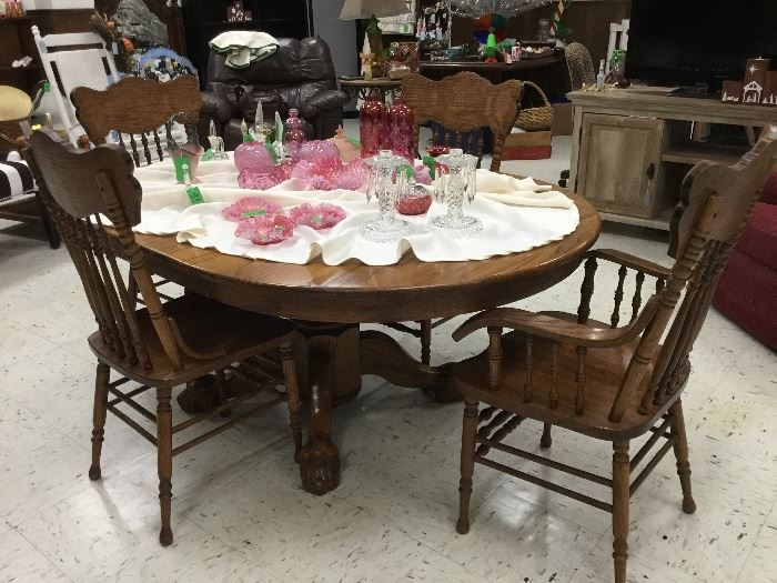Oak Clawfoot Dining Table w/four chairs, Cranberry glass items including Fenton.