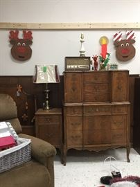 Vintage radio, christmas items, lamp, dresser and side table