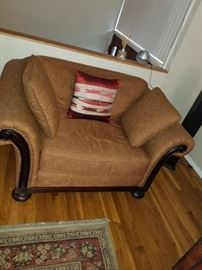 ACCENT CHAIR 275.00