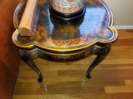 ACCENT TABLE 95.00